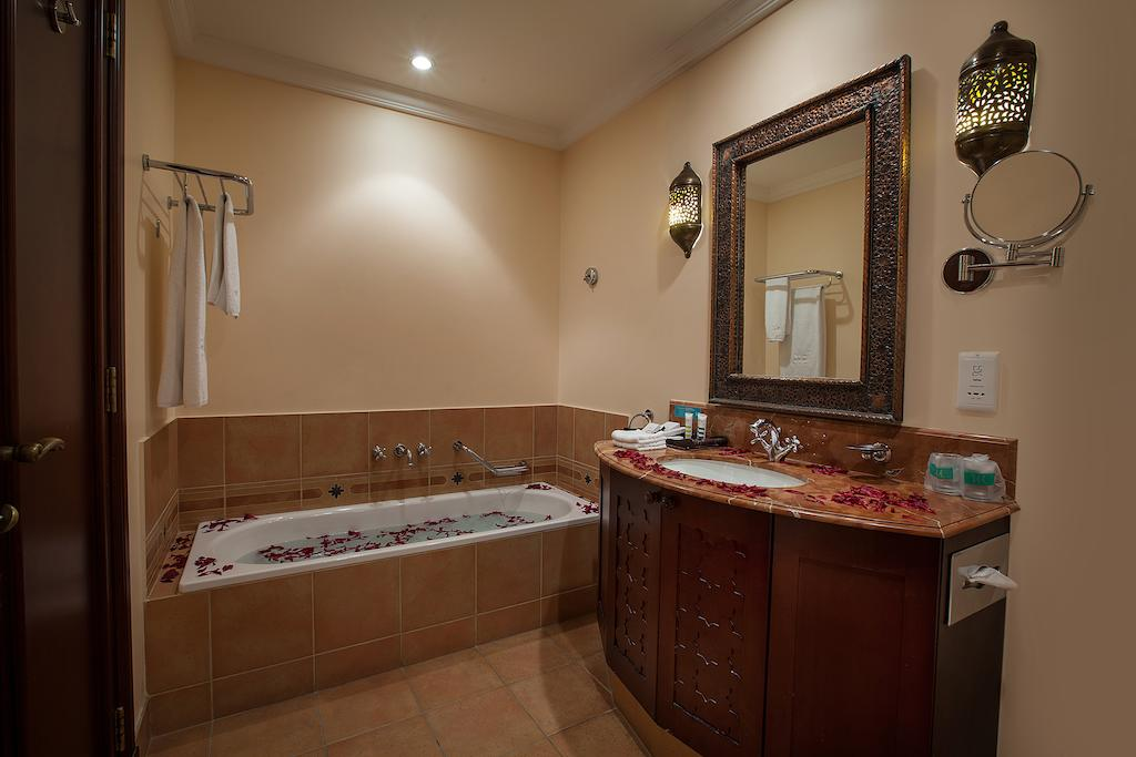 Mercure Grand Hotel Seef / All Suites-19 of 37 photos
