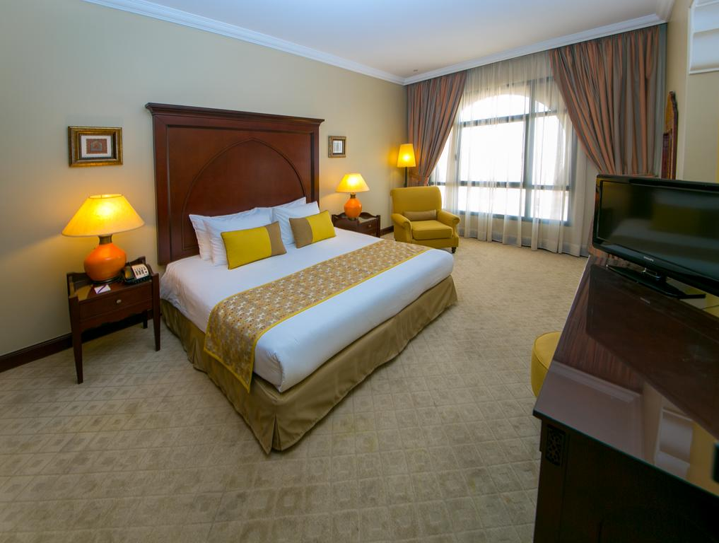 Mercure Grand Hotel Seef / All Suites-24 of 37 photos