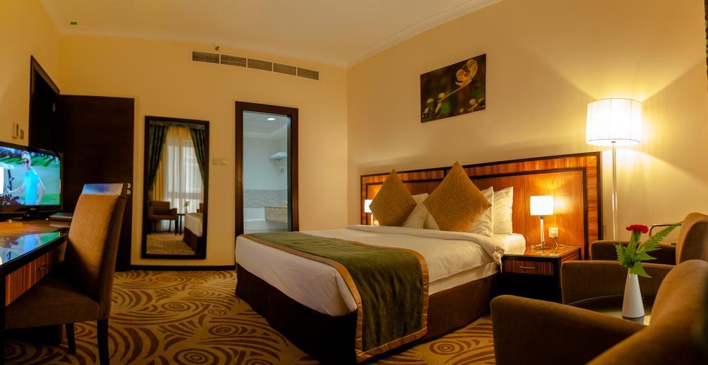 Al Majaz Premiere Hotel Apartments-4 of 43 photos