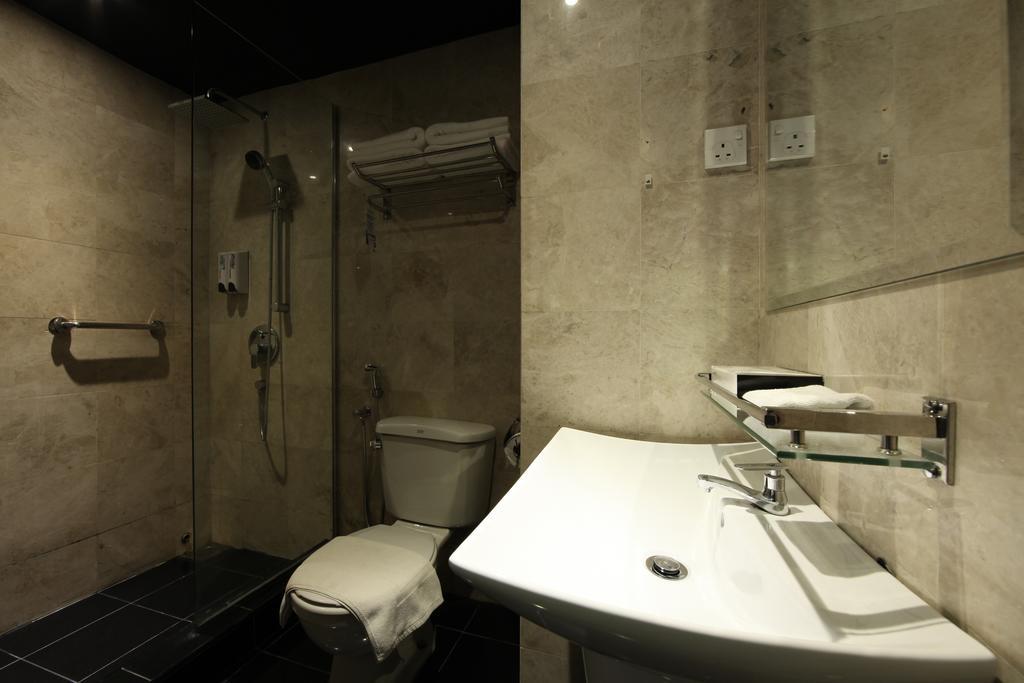 فندق ذا هولو + جاليري-22 من 45 الصور