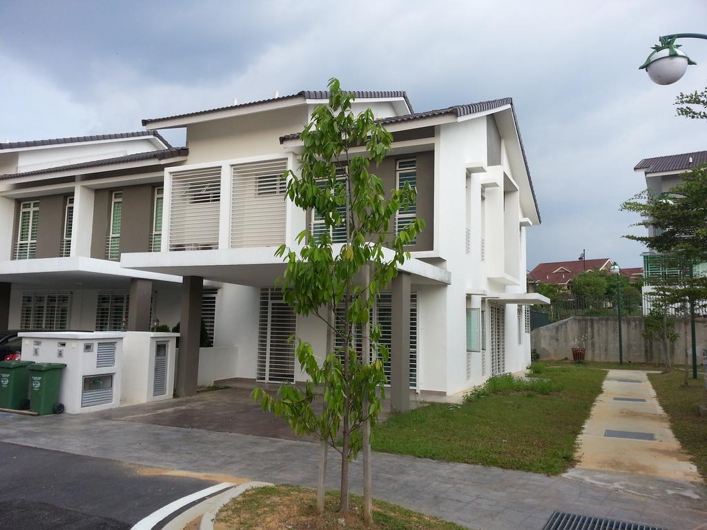 Book Masayu Putrajaya Homestay Putrajaya Online At Best Prices