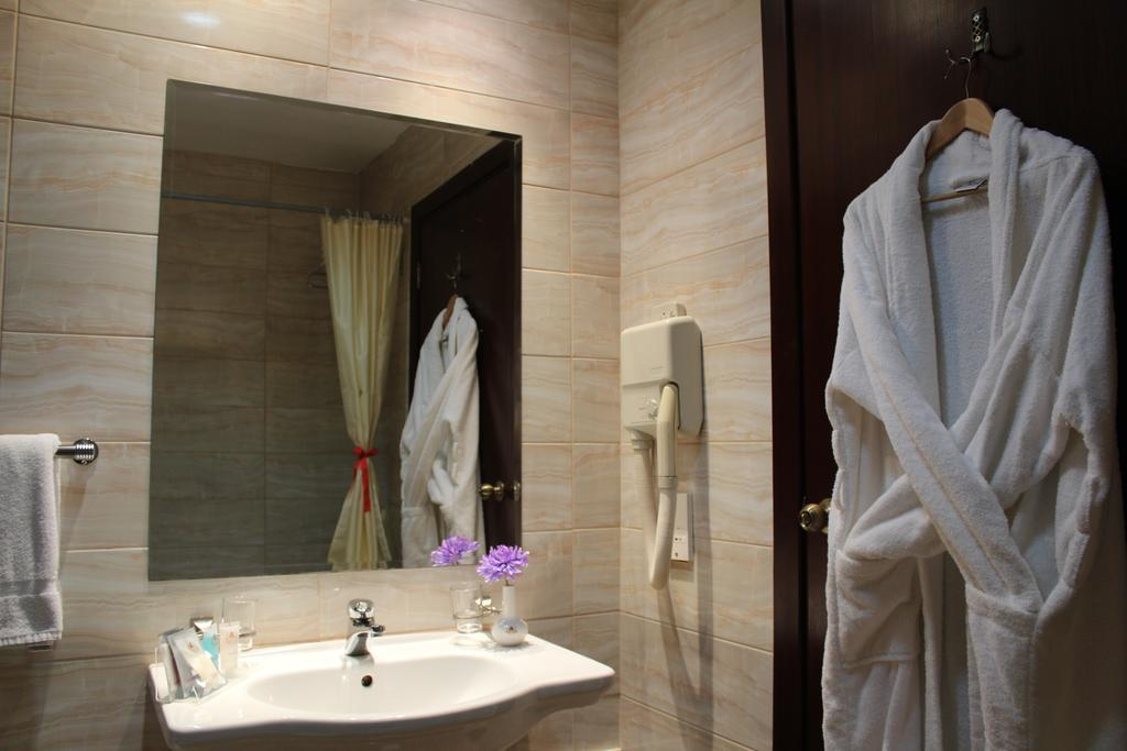 Al Fanar Palace Hotel and Suites-23 of 50 photos