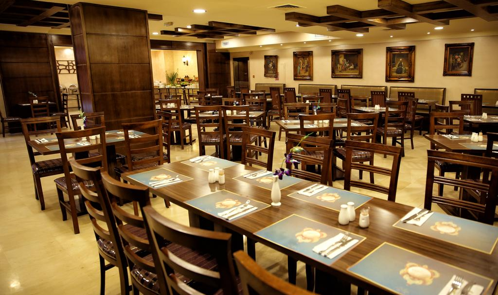 Al Fanar Palace Hotel and Suites-40 of 50 photos
