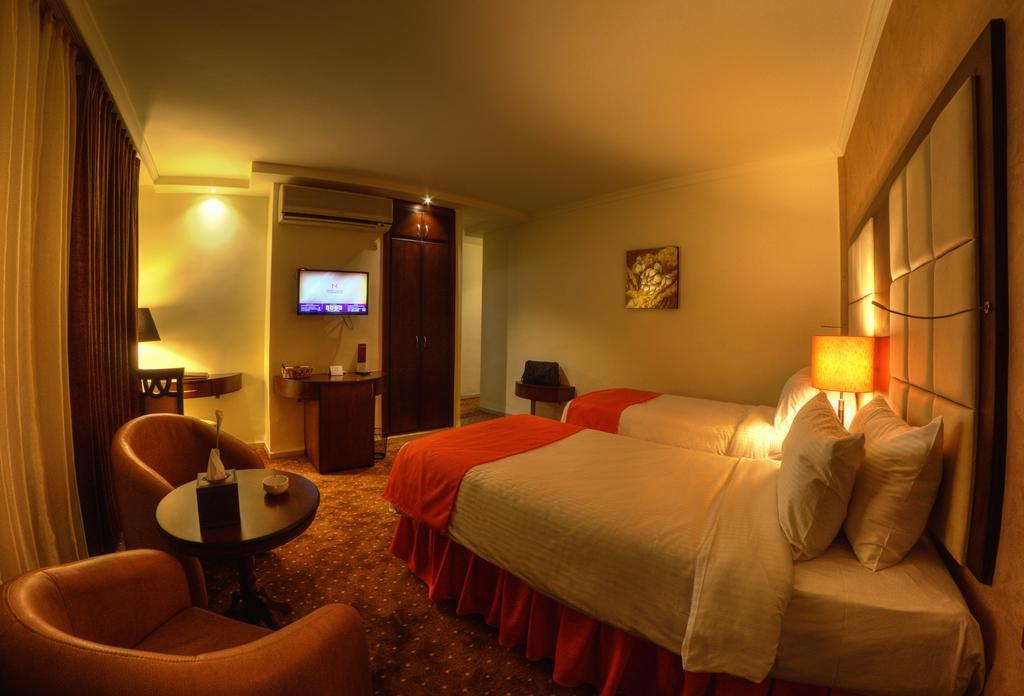 Meneur Hotel-10 of 46 photos