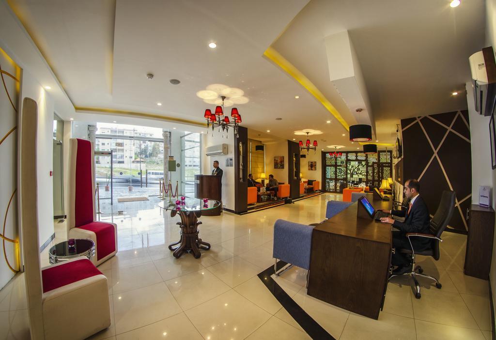 Meneur Hotel-19 of 46 photos