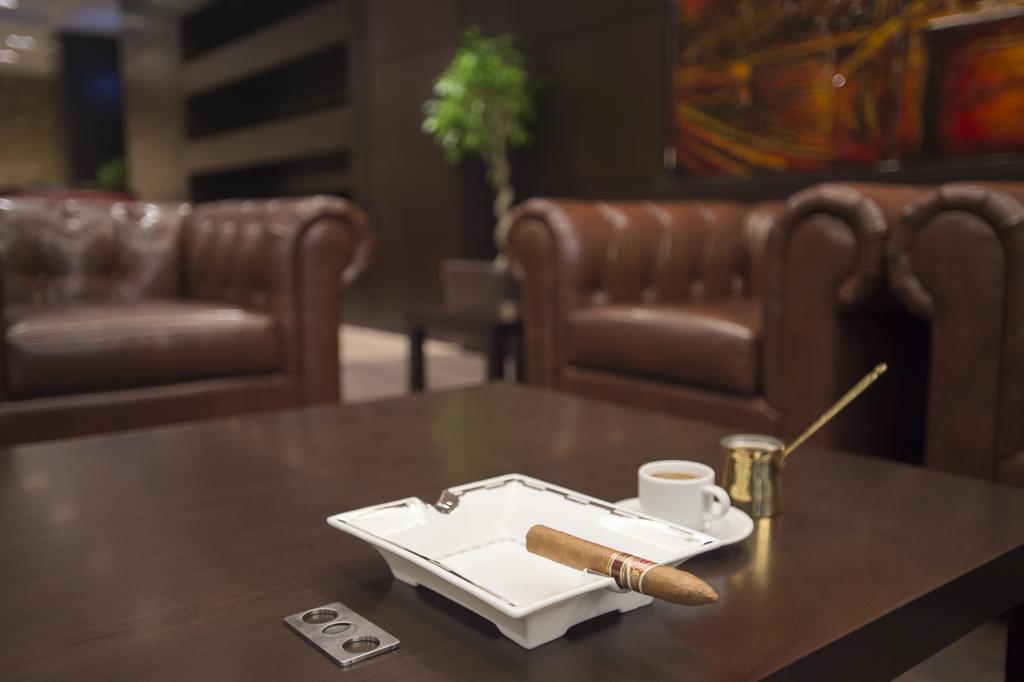 فندق ومركز مؤتمرات كراون بلازا الرياض آر دي سي-32 من 45 الصور