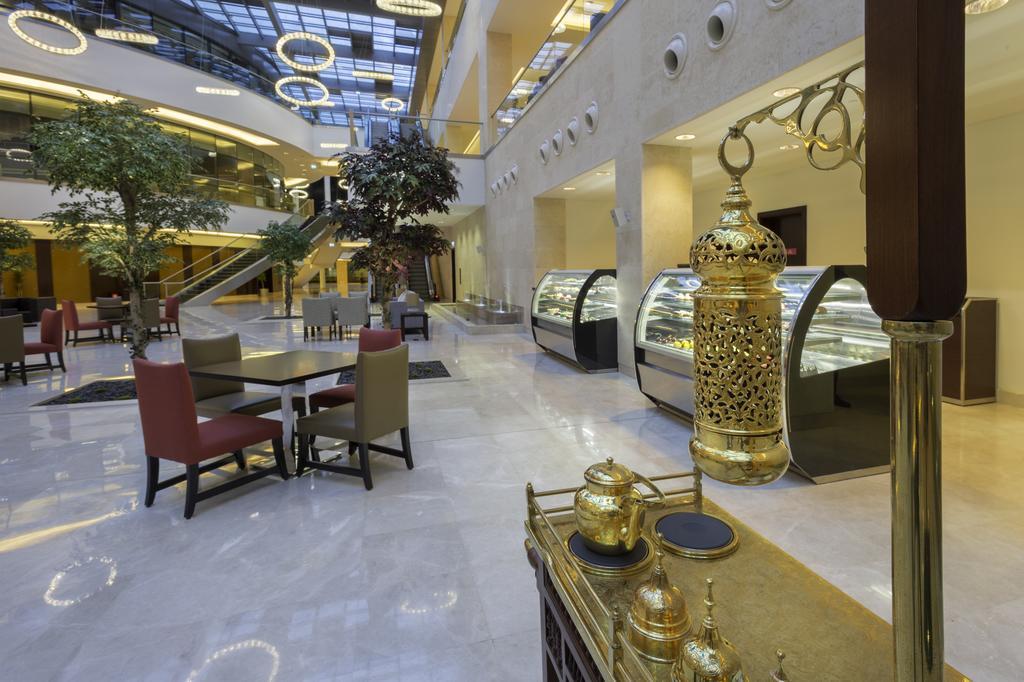 فندق ومركز مؤتمرات كراون بلازا الرياض آر دي سي-35 من 45 الصور