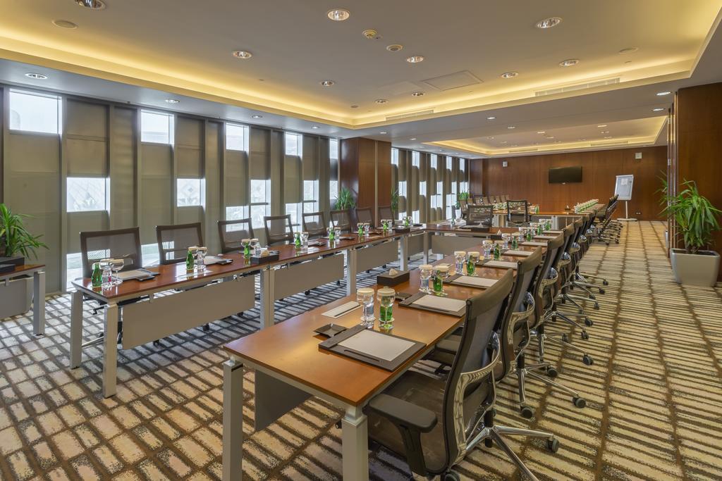 فندق ومركز مؤتمرات كراون بلازا الرياض آر دي سي-38 من 45 الصور