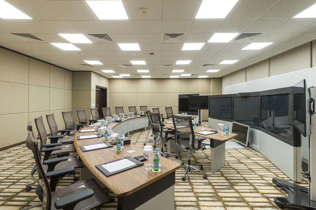 فندق ومركز مؤتمرات كراون بلازا الرياض آر دي سي-39 من 45 الصور
