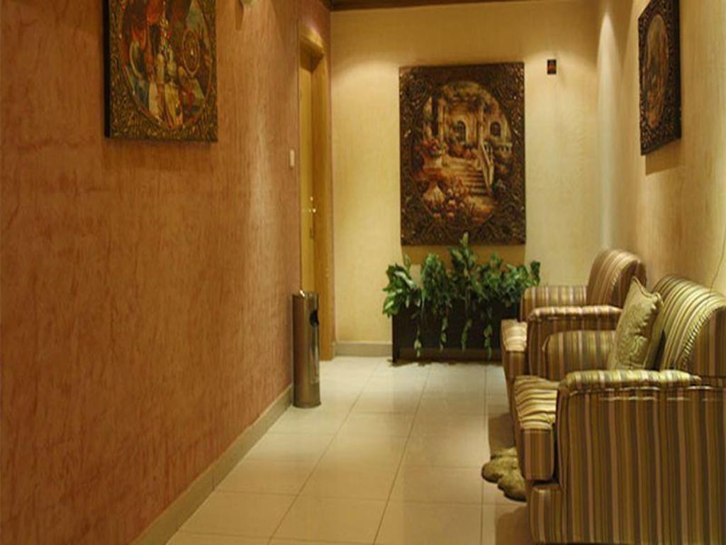 Nawara Riyadh Gallery-15 من 23 الصور