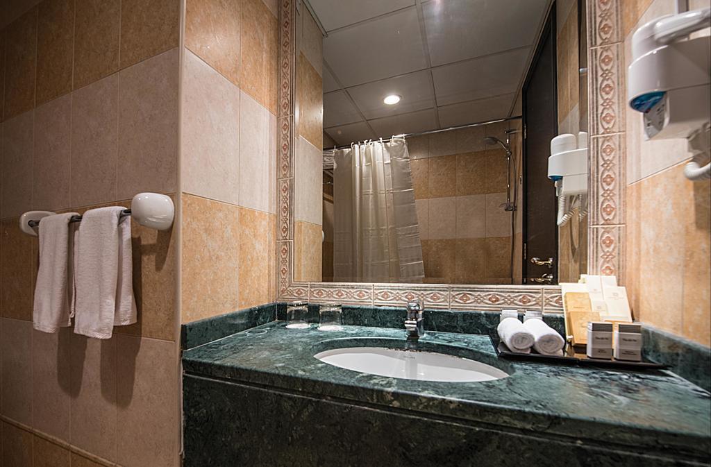 Emirates Grand Hotel Apartments-27 of 46 photos