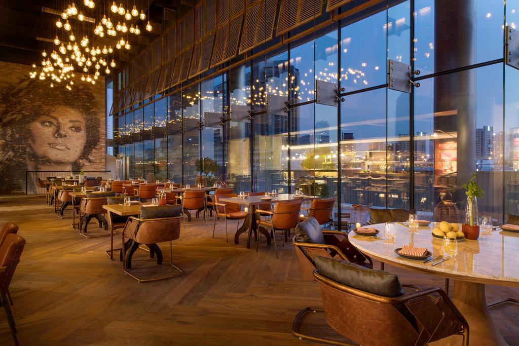 Renaissance Downtown Hotel, Dubai-12 of 49 photos