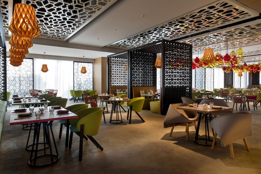 Renaissance Downtown Hotel, Dubai-13 of 49 photos