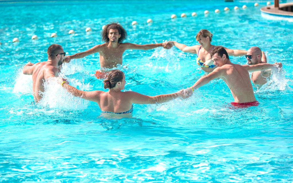Hawaii Riviera Club Aqua Park Families and Couples Only-12 من 46 الصور