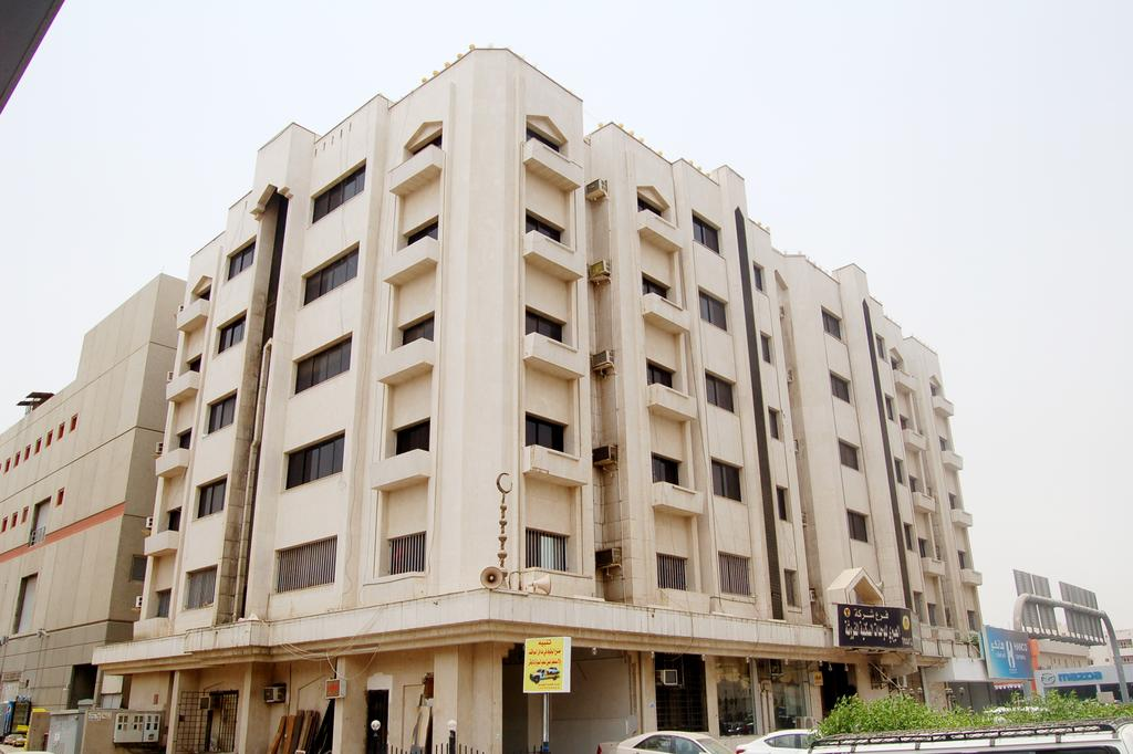 Al Eairy Furnished Apartments- Jeddah 2