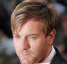 Ewan McGregor läuft gerade in Star Wars: Angriff der Klonkrieger auf ProSieben
