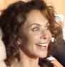 Giannina Facio läuft gerade in Prometheus – Dunkle Zeichen auf Sat 1