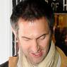 Ian Whyte läuft gerade in Prometheus – Dunkle Zeichen auf Sat 1