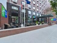 Holiday Inn Express Midtown We