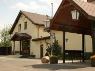 Pelikan Hotel ** - hotel Aleksandrów Łódzki