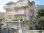 Apartments Ivica