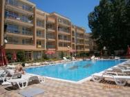 Aparthotel Kamelia Garden - Lili's Apartments