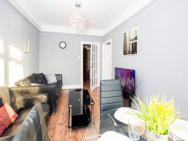 1 Bedroom Apartment For 4 Guests Next To Hyde Park