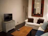 1 Bed Apartment With Wifi In West London – zdjęcie 11
