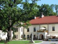 Zamek Dubiecko - hotel Dubiecko