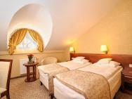 Centuria Hotel & Natural Spa