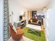 1 Bed Apartment In Clerkenwell With Balcony – photo 3