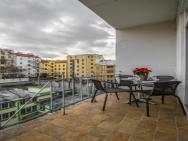 2bdr Balcony Apt With Awesome View By Ruterra – photo 2