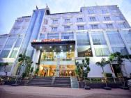 Hotel Amit Park International