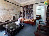 2 Br Boutique Stay In Court Road, Dalhousie (8813), By Guesthouser