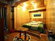 1 Br Boutique Stay In Chowrasta Road,, Darjeeling (a63b), By Guesthouser