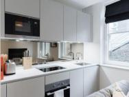 1 Bed Apartment Covent Garden - Sk – photo 2