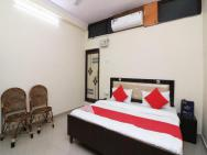 Oyo 24823 Amrit Guest House