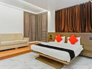 Capital O 29876 Hotel House Khas