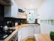 ** Gorgeous 2 Br Flat In The Heart Of London **