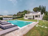 0-bedroom Holiday Home In Roma