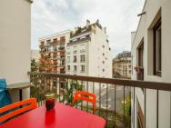 1br Apt In Montmartre, Paris By Guestready