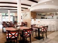 Apartamenty Mesa Grill Restaurant Cafe