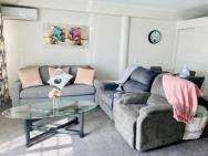 Princes Wharf Waterfront - Comfortable Luxury
