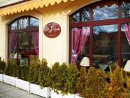 Hotelik & Restauracja Złota Kaczka