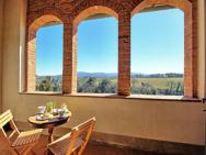 Colle Di Val D'elsa Apartment Sleeps 6