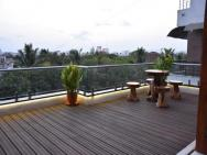 Gulmohar - Luxurious Penthouse (full Ac)