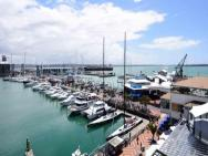 Pelicanstay At Auckland Viaduct Harbour