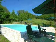 Luxurious Cottage In Lisciano Niccone Umbria With Swimming Pool