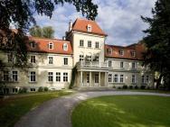 Dwór Sieraków - hotel Dobczyce