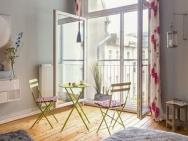 All Inclusive 90qm Well-equiped Flat In Berlin-charlottenburg With Wif